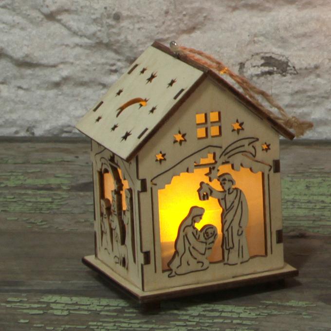 Dřevěný domek  s motivy betléma LED osvětlení