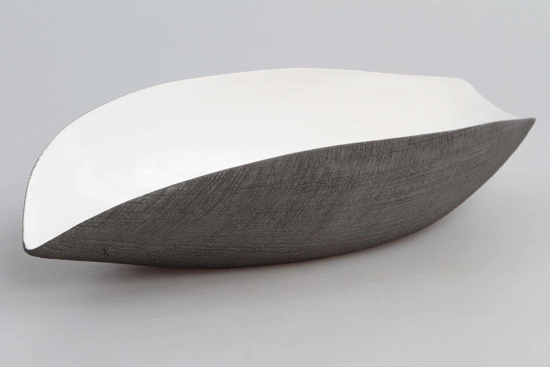 34 cm keramická mísa antracitová, podlouhlého tvaru