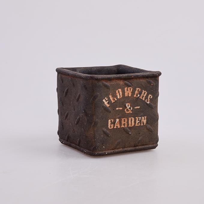 Kameninový květináč FLOWERS & GARDEN hnědo šedý