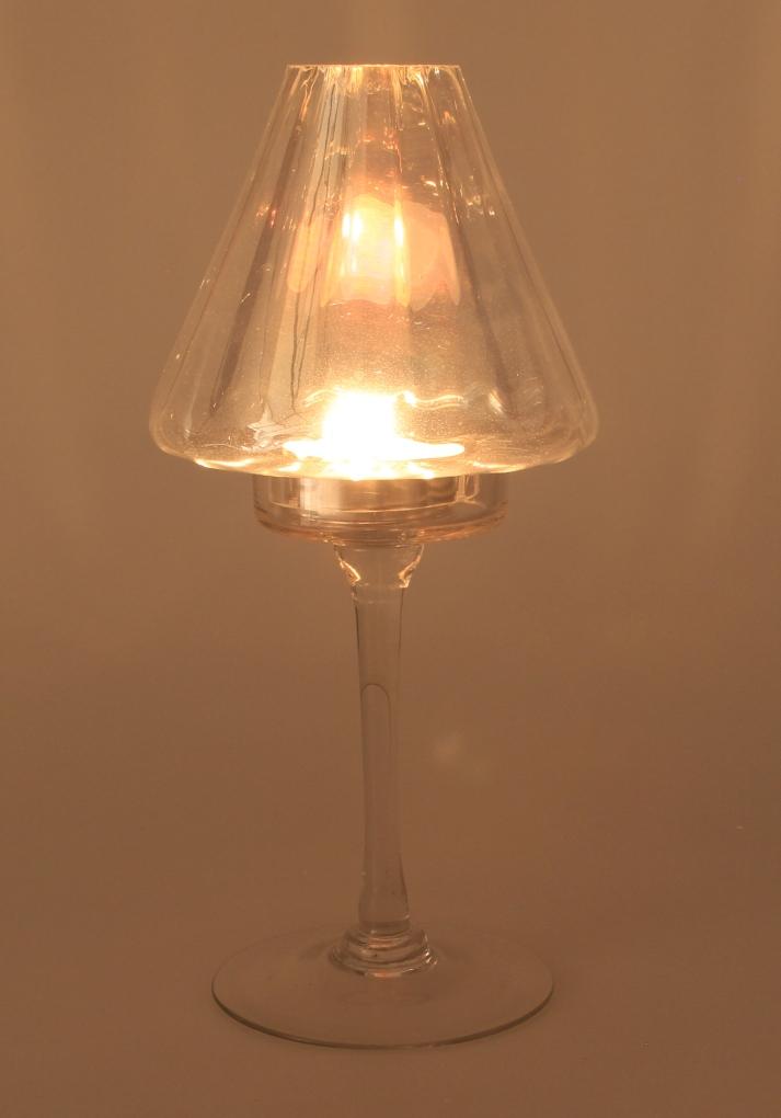 Elegantní svícen, skleněný