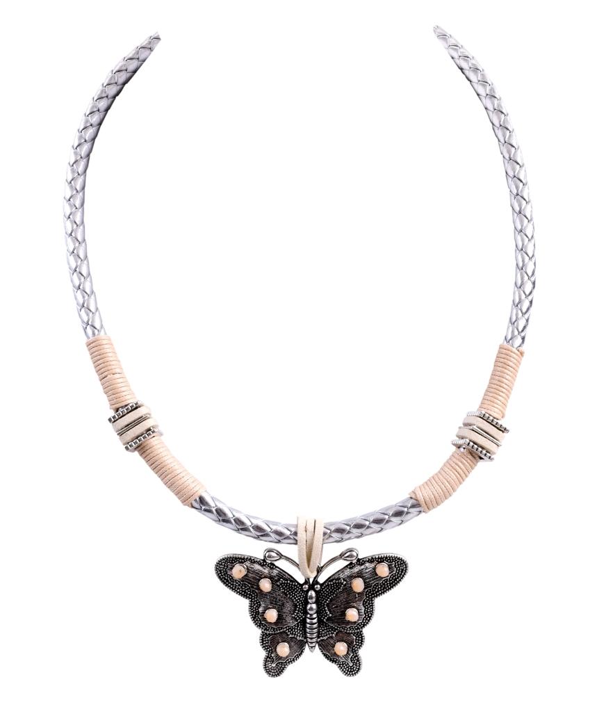 Náhrdelník s aplikací motýla