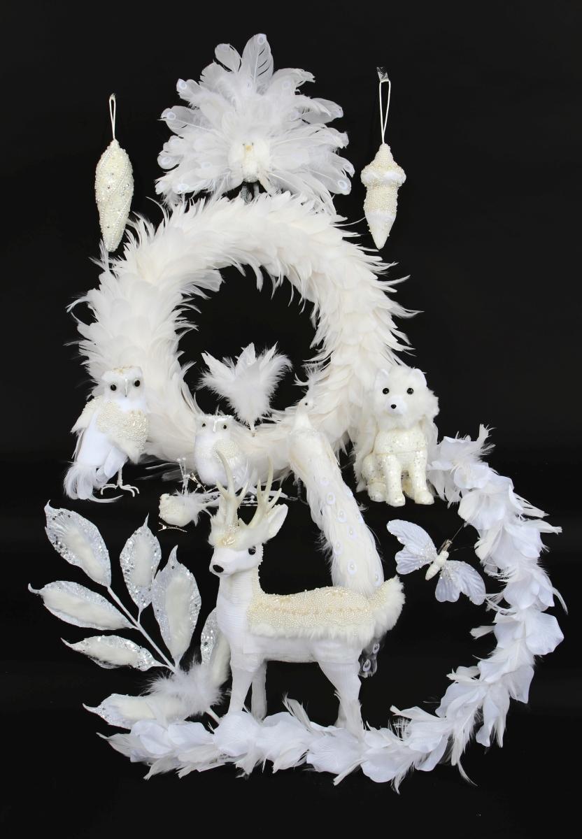 17 cm ozdobná květina, z bílých peříček se sponou na uchycení