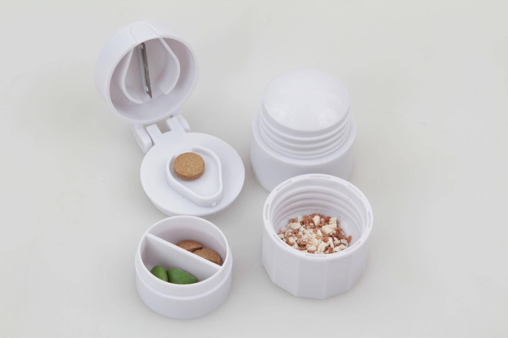 Drtič a půlič léků se zásobníkem 4v1