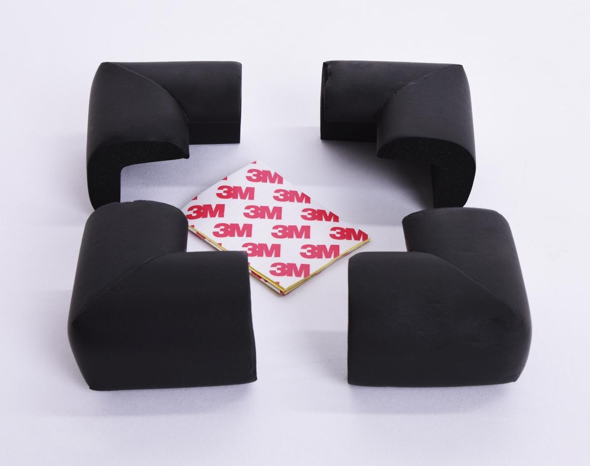 4 ks NÁRAZNÍK na rohy nábytku, černý