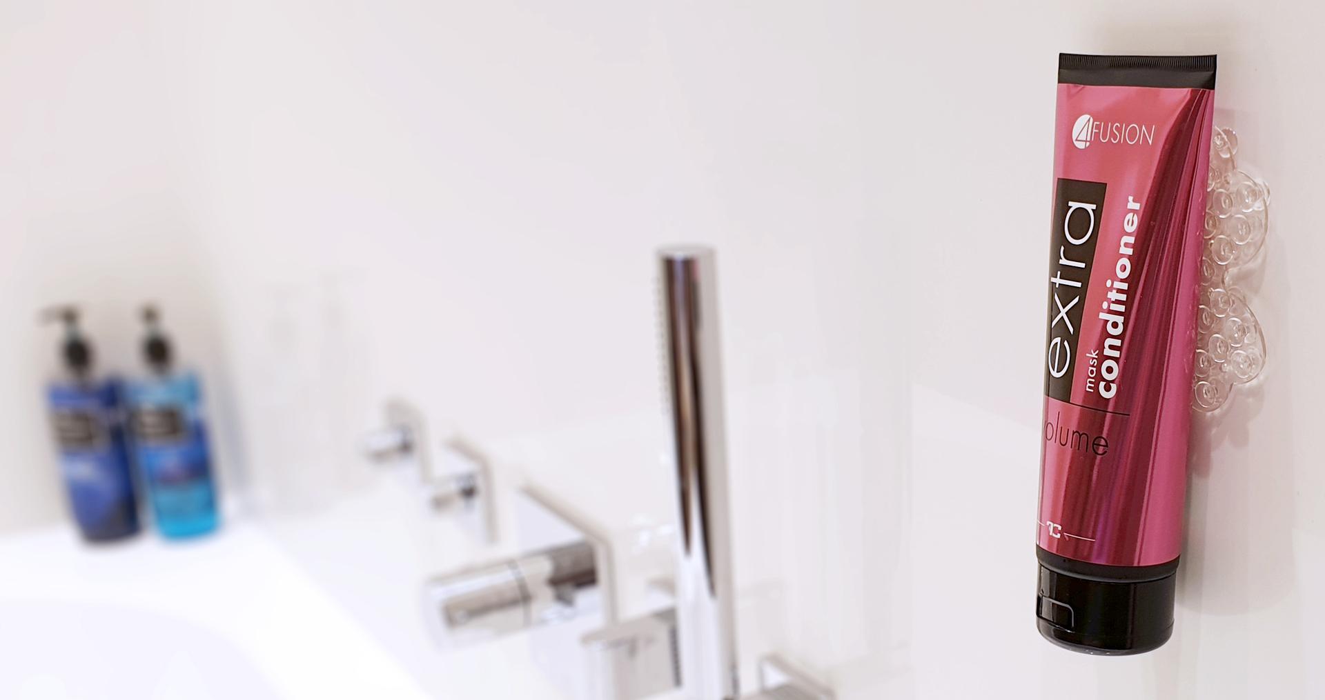 Koupelnová oboustranná přísavka na stěnu na šampony a gely