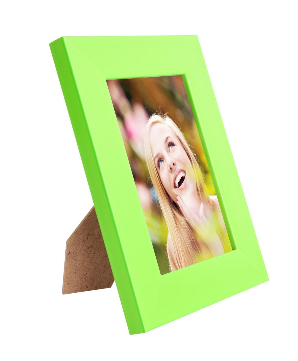 Dřevěný fotorámeček hráškově zelený na foto 10 x 15 cm