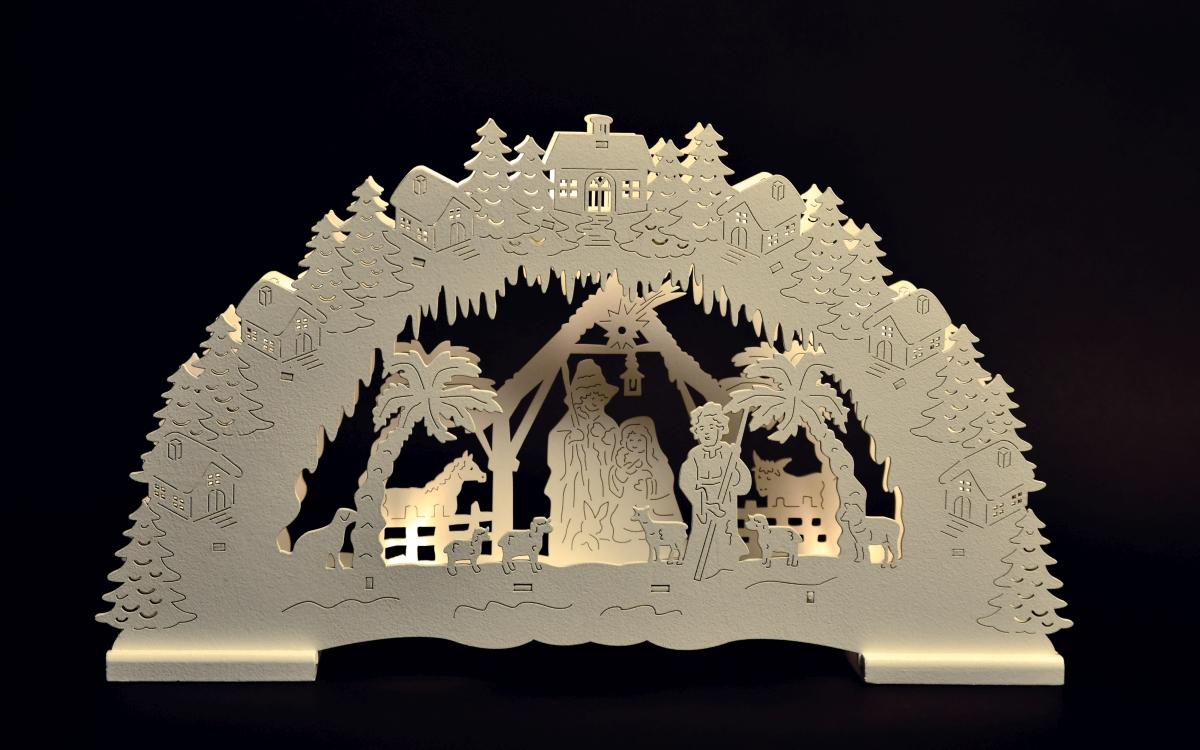 Dřevěný betlém detailně propracovaný s LED osvětlením.
