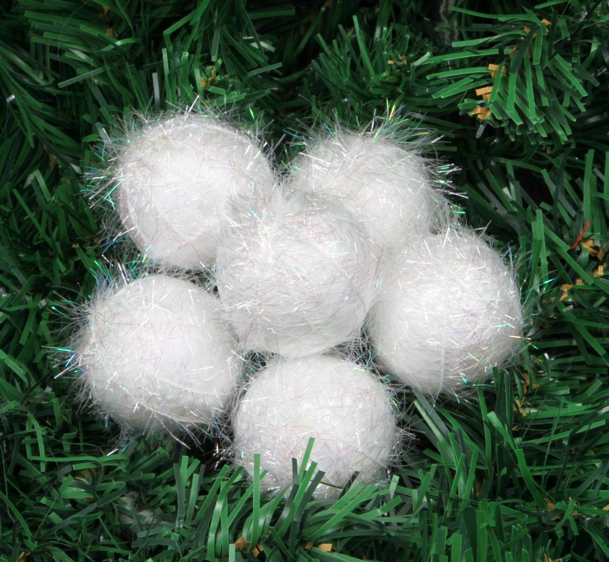 6 ks bílých koulí  s perleťovými lametkami