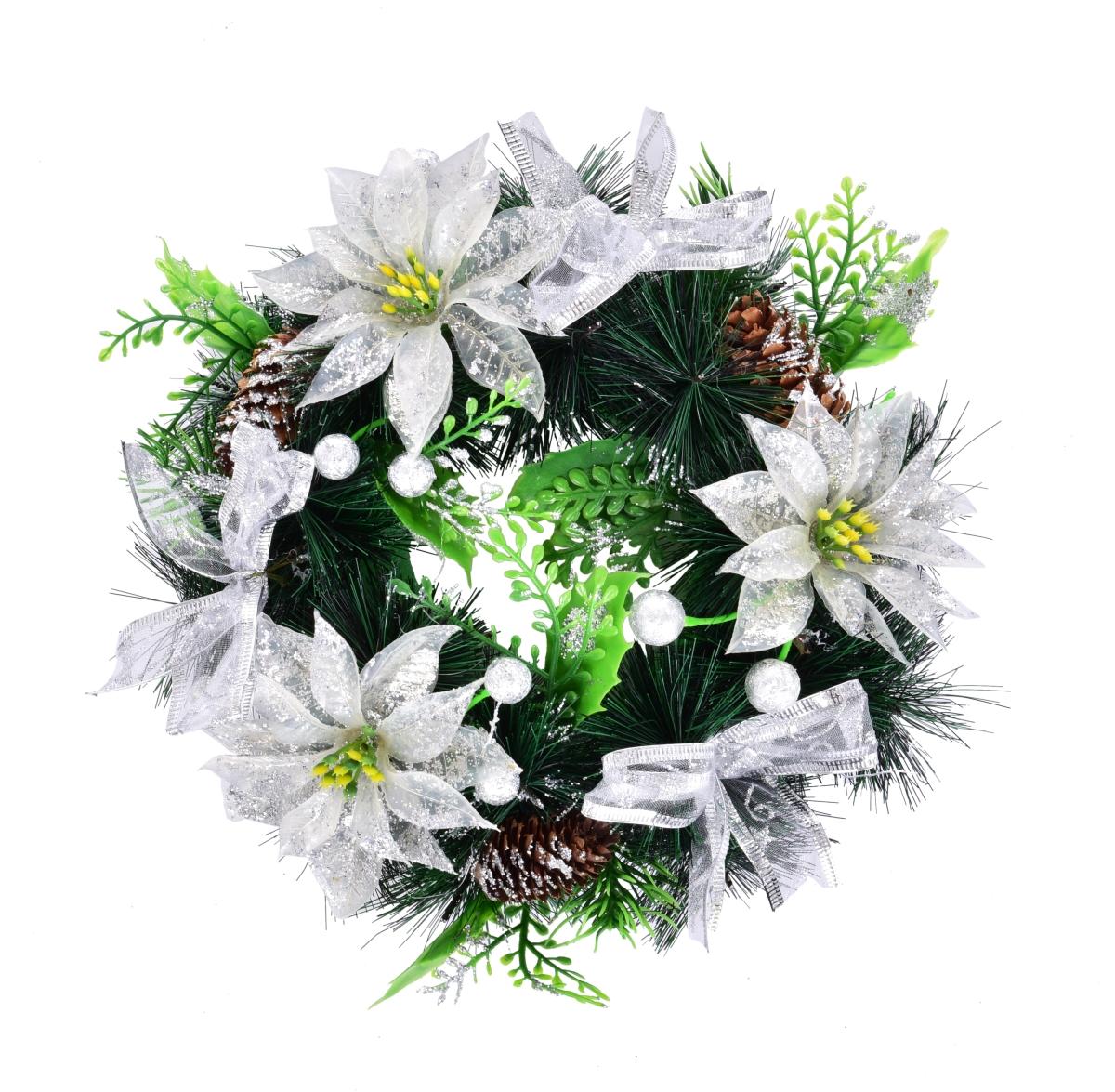 Dekorativní věnec bílé květy a šišky