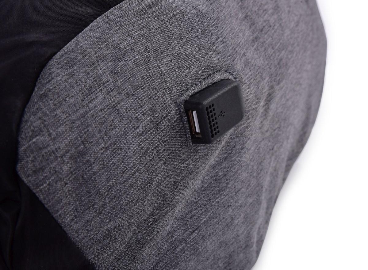 Bezpečný batoh TRAVEL&STUDENT s USB připojením
