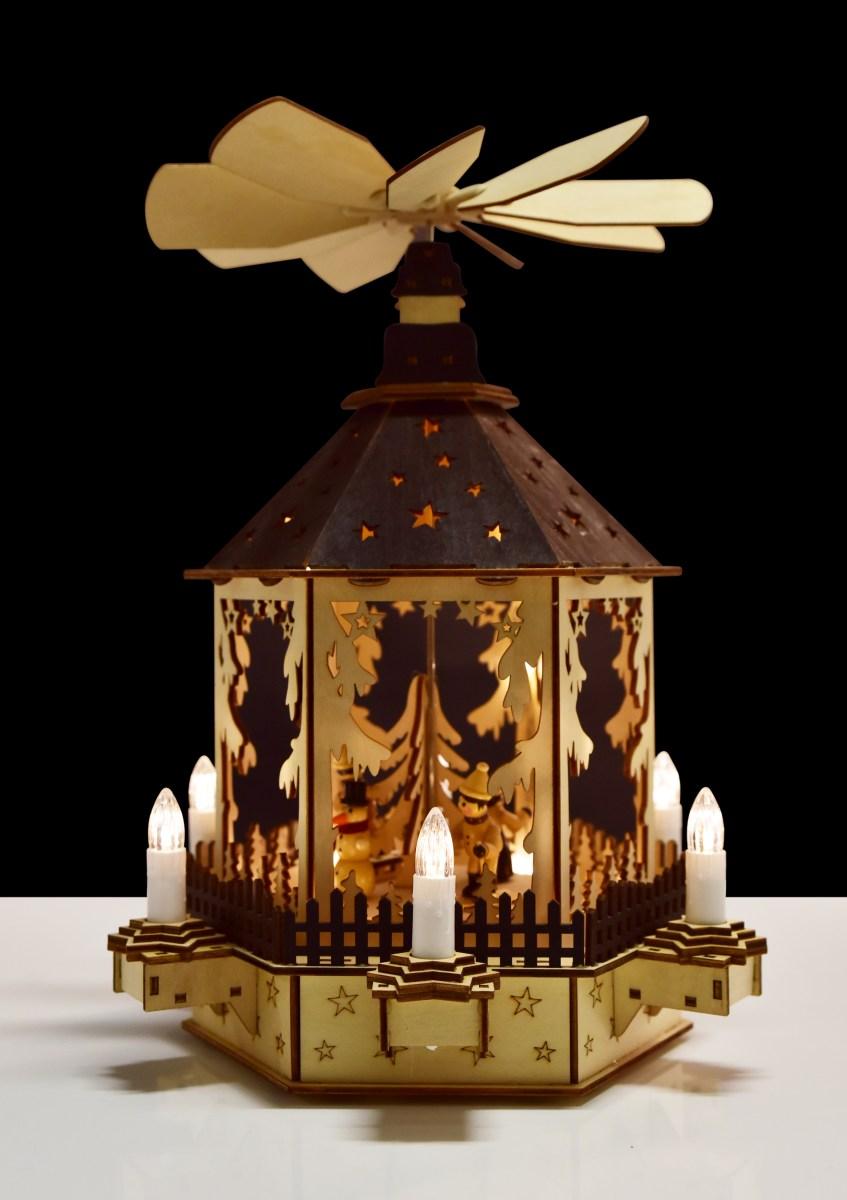 35 cm Kolotoč s LED dekorativními svíčkami hrající melodie