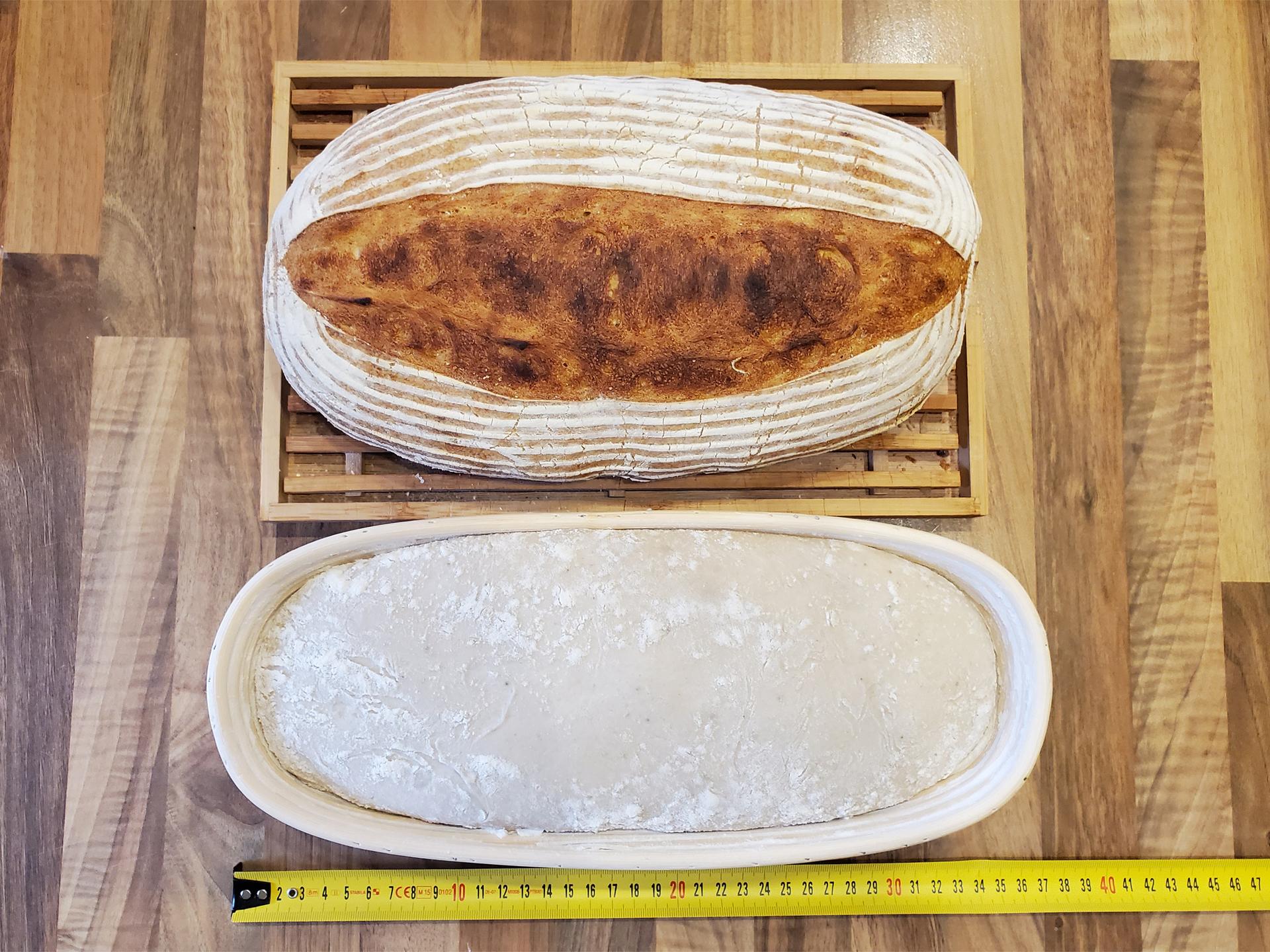 35 cm DŘEVĚNÁ OŠATKA na velký bochník chleba, SEDLÁK, s látkovým potahem