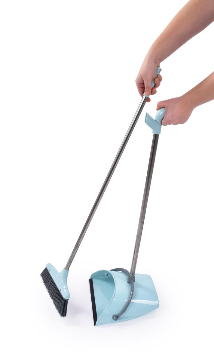 2v1 nehrbící smeták  s lopatkou