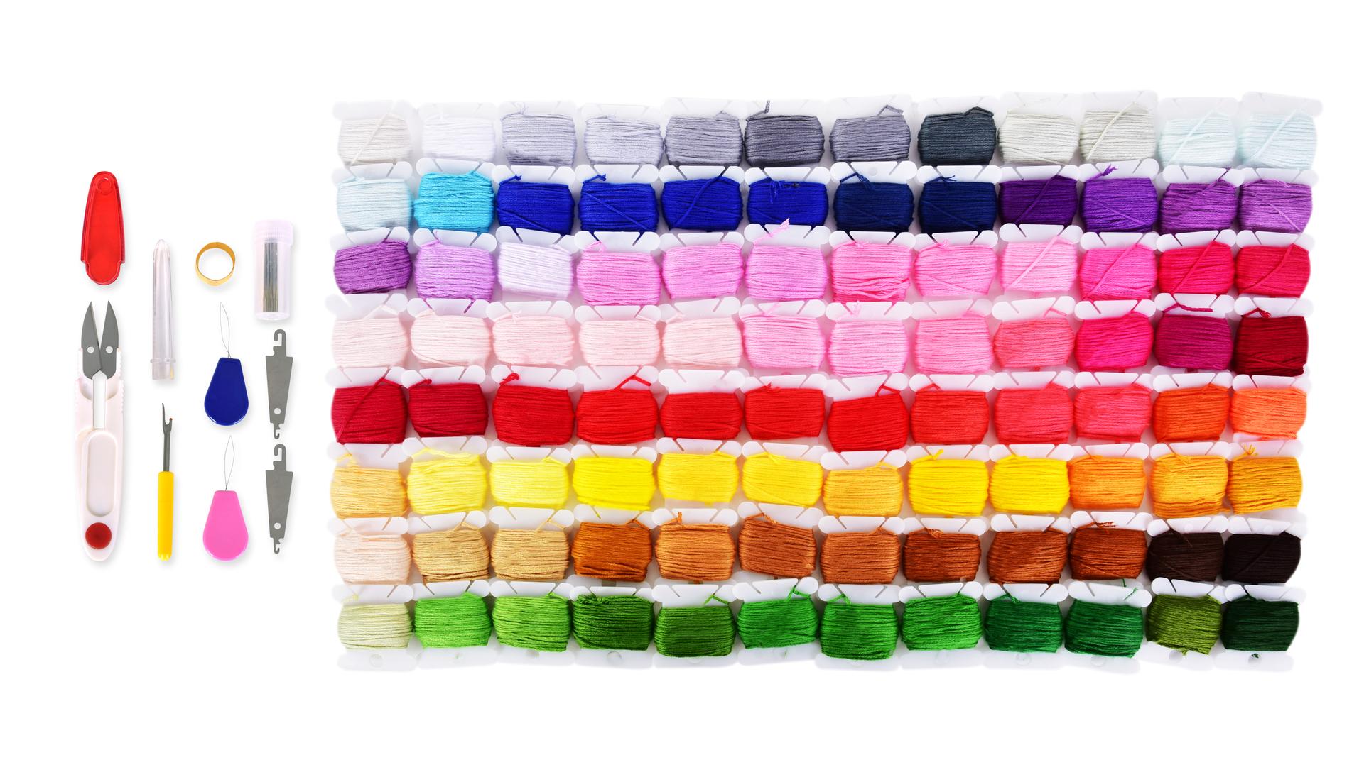XL VELKÝ VYŠÍVACÍ BOX, sada 114 vyšívacích bavlnek a potřeb