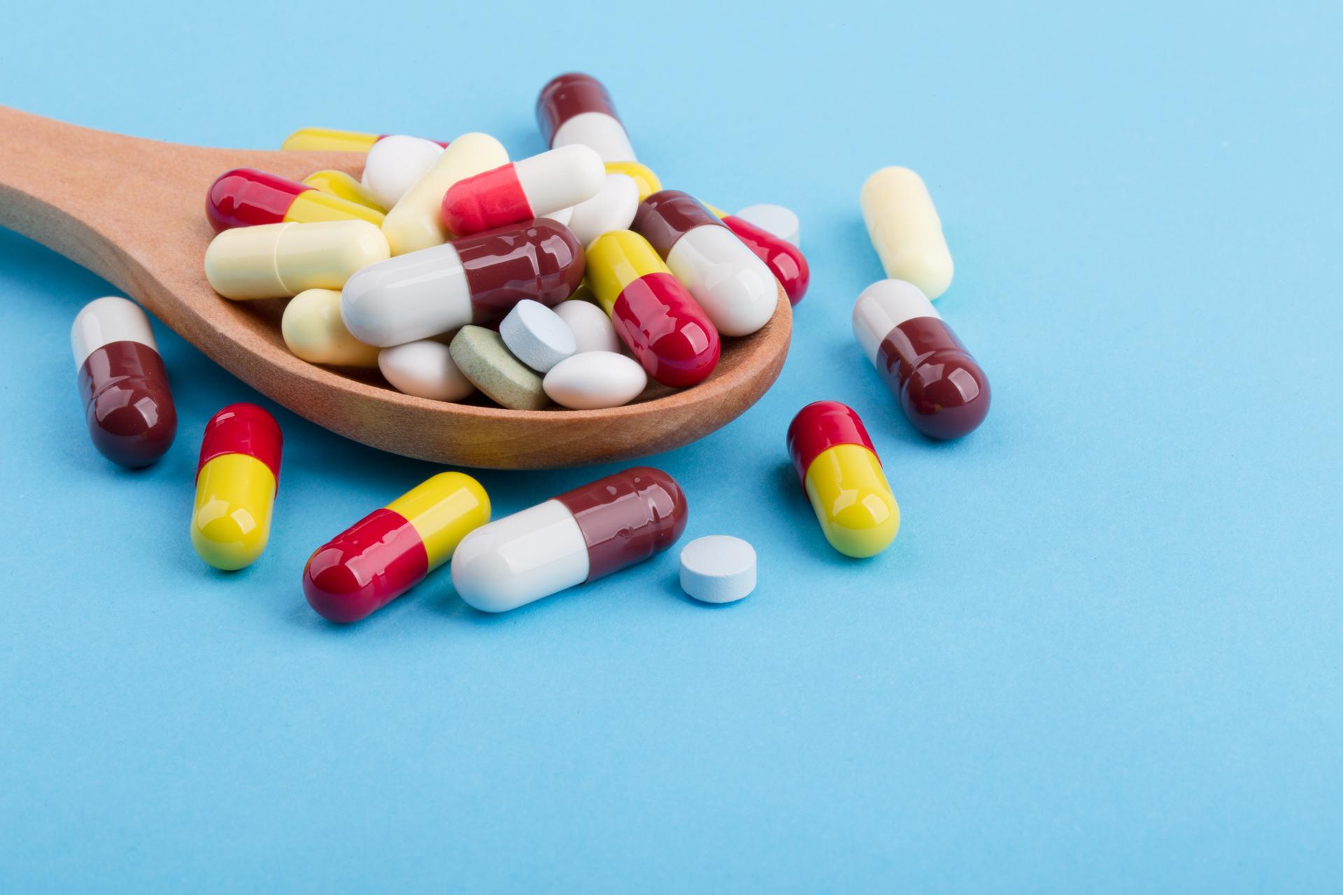 Krokový zásobník, na léky