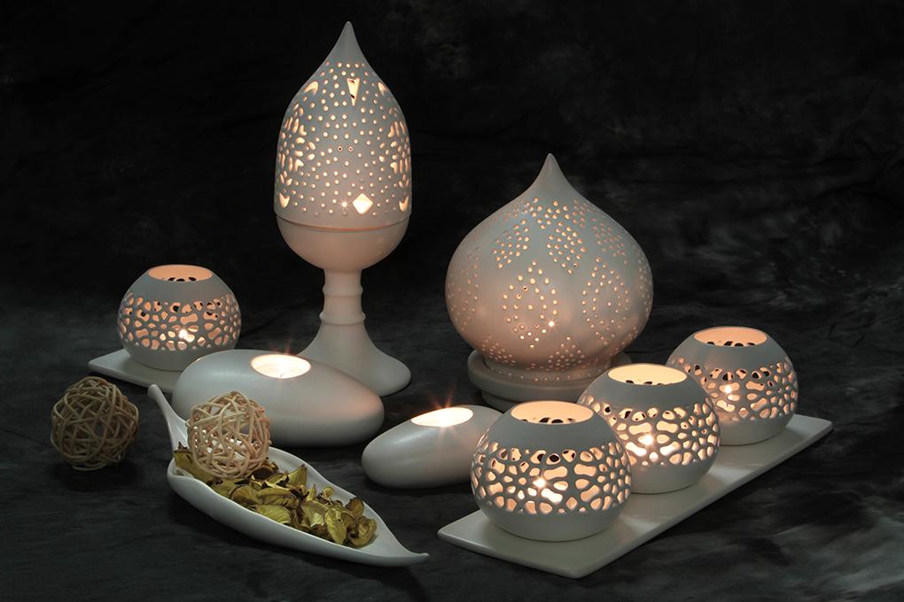 Stojanový svícen s vyřezávaným stínidlem BALI CERAMICS, 30 cm
