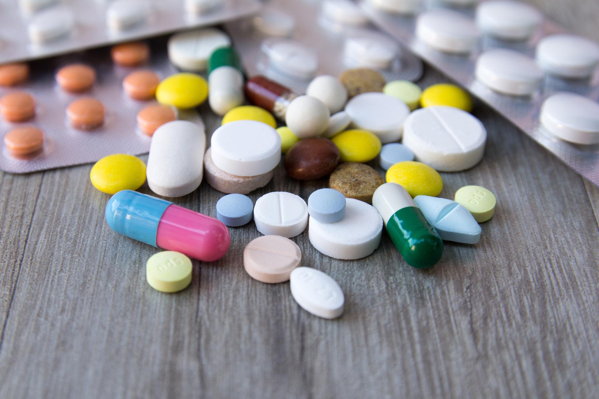 Lékárník s alarmem, na léky