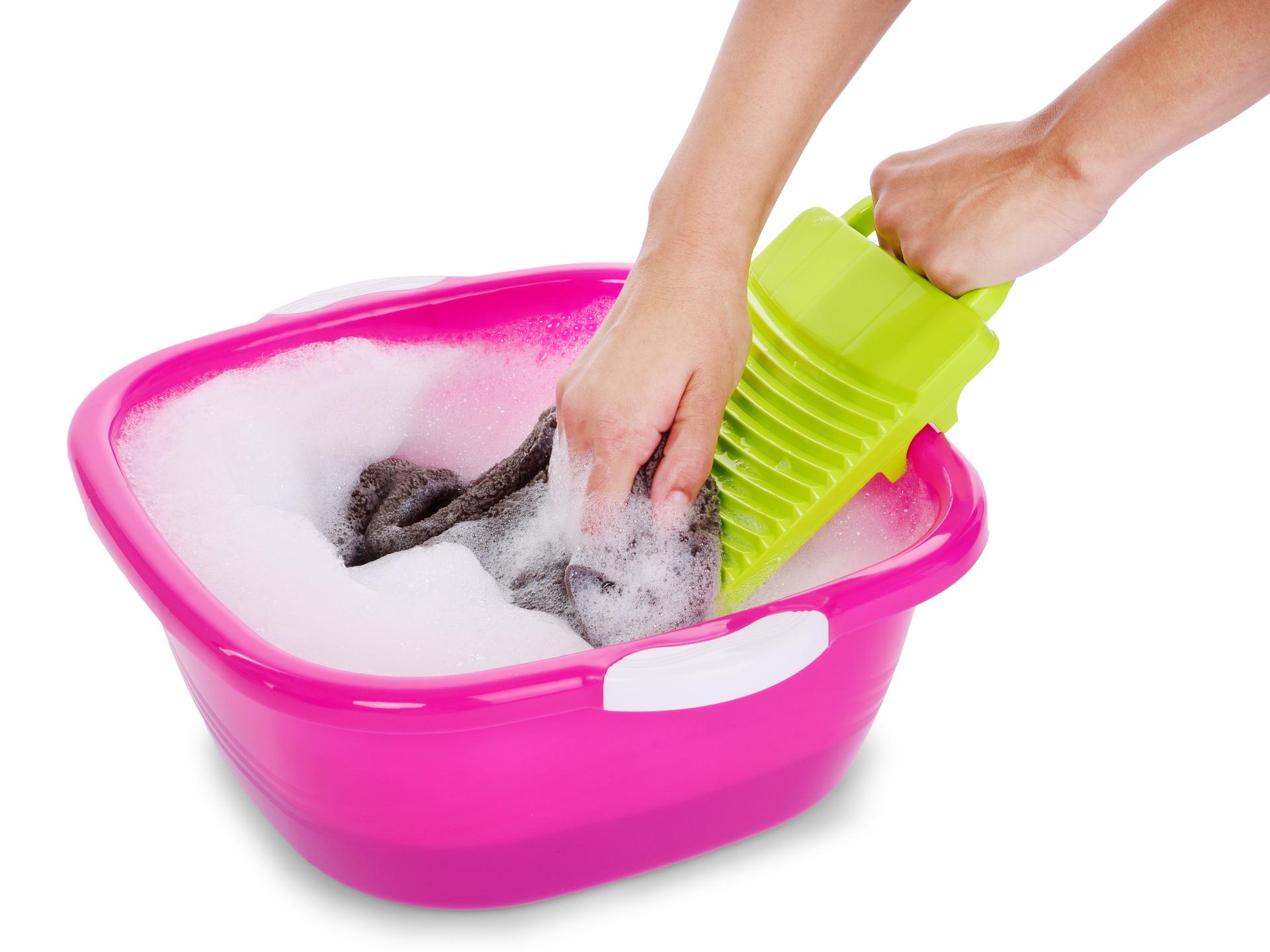 Valcha na ruční praní prádla, štětců a houbiček na make-up