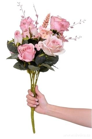 DA9834-Kyticu veľkých RUŽÍ výška cca 59 cm ateliérová kvetina